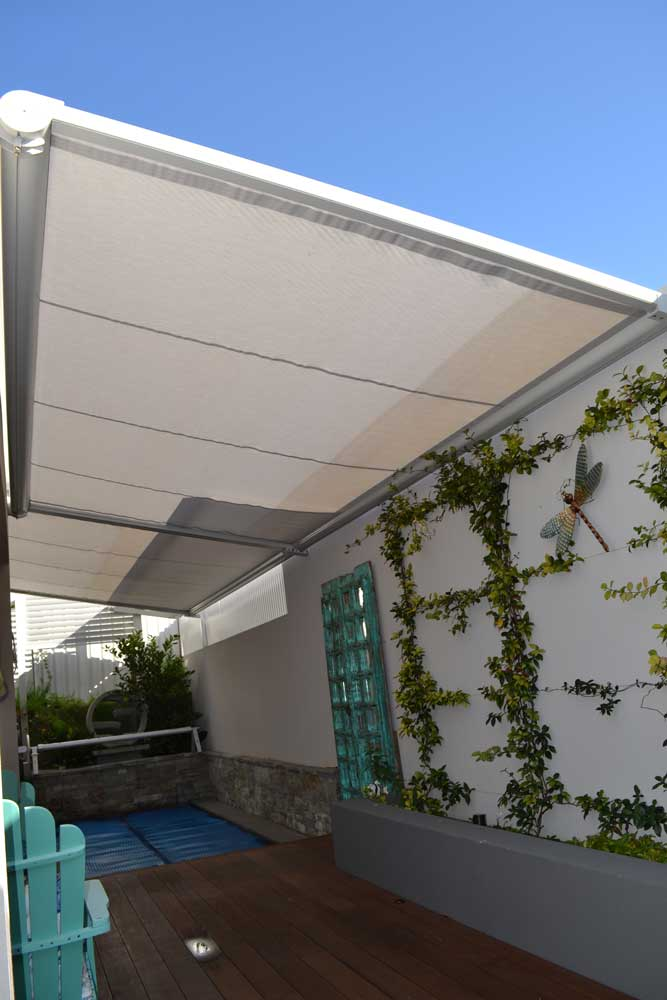 Retractable pergolas & roof systems, motorised blinds & awnings, folding arm awnings, operable louvers, alfresco cafe outdoor balcony skylight block out blinds, ziptrack, zipscreen, shade track, patios, waterproof awnings, opening roofs, somfy.